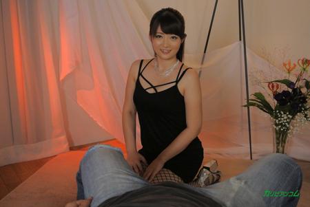 生島涼がソープの客に両膝付いている画像