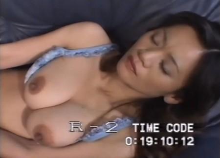 楠真由美のデカ乳デカ乳首画像