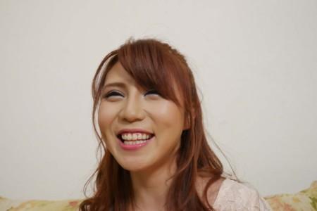 笑うと可愛いAV女優
