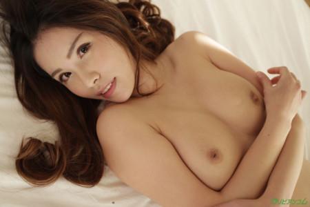 上山奈々(神山なな)の陥没乳首ドアップ画像